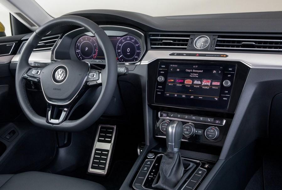volkswagen-passat-interior-под-наем-в-софия-луксозни-коли